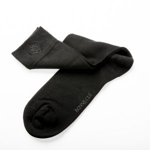 socks-classic-black-front